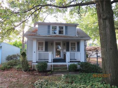 Bedford Single Family Home For Sale: 106 Tarbell Ave