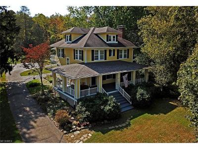 Chagrin Falls Single Family Home For Sale: 9099 Bainbridge Rd