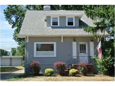 Wickliffe Single Family Home For Sale: 1450 Craneing Rd