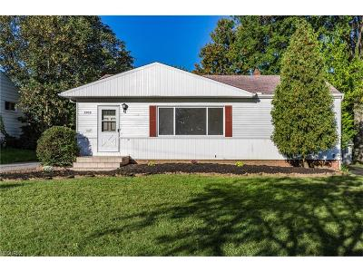 Willoughby Single Family Home For Sale: 5308 Harmony Ln