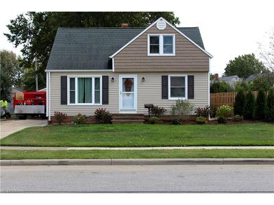 Willowick Single Family Home For Sale: 28904 Blissfield Dr