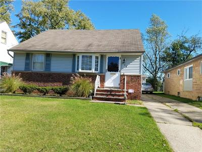 Bedford Single Family Home For Sale: 575 Darlington Drive