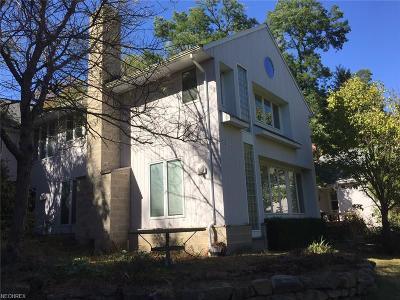 Solon Single Family Home For Sale: 5321 Hawthorne Pky