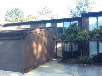 North Olmsted Condo/Townhouse For Sale: 5590 Barton Rd #204