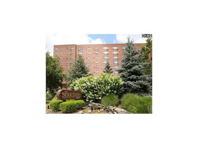 Bay Village, Cleveland, Lakewood, Rocky River, Avon Lake Condo/Townhouse For Sale: 11820 Edgewater # 318 Dr