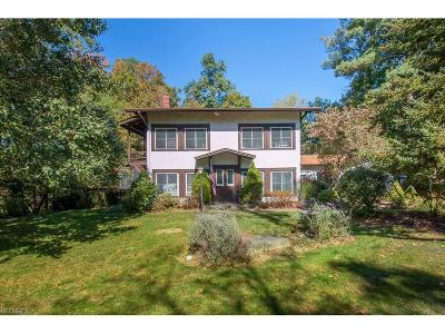 Olmsted Falls Single Family Home For Sale: 7322 River Rd