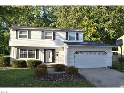 Mentor Single Family Home For Sale: 8883 Trailwood Ct