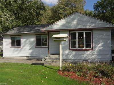 Mentor Single Family Home For Sale: 6603 Elmwood Rd