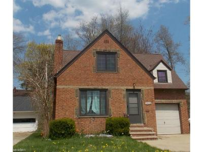 Rocky River Single Family Home For Sale: 19620 Lake Rd #1396