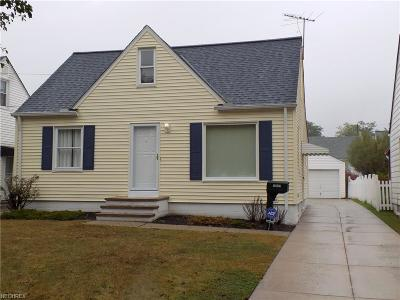 Maple Heights Single Family Home For Sale: 16017 Corkhill Rd