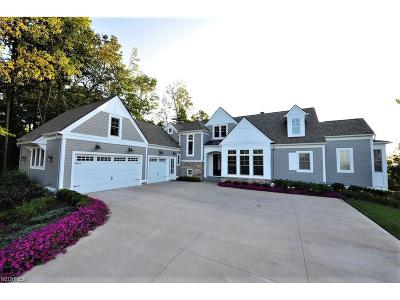 Chesterland Single Family Home For Sale: 11329 Caves Rd