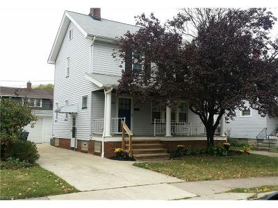 Lakewood Single Family Home For Sale: 2122 Olive Ave