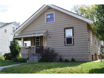 Single Family Home For Sale: 538 Echo Ave