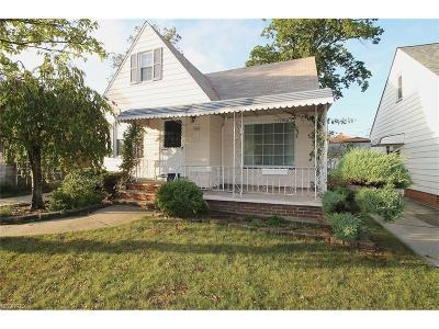 Parma Single Family Home For Sale: 6402 Orchard Ave