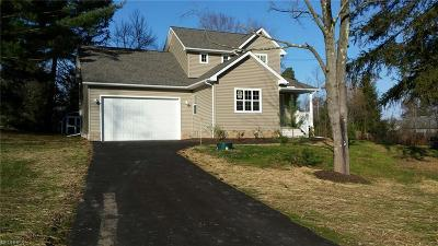 Chagrin Falls Single Family Home For Sale: 9812 Broadway Dr