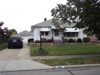 Willowick Single Family Home For Sale: 30521 Ronald Dr