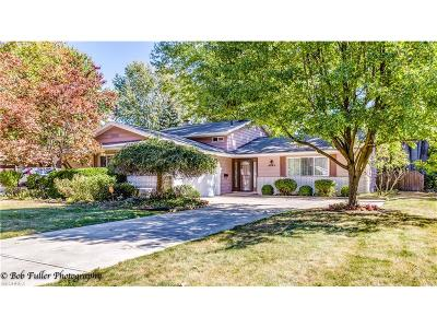 North Olmsted Single Family Home For Sale: 4563 Azalea Ln