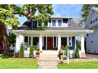 Lakewood Single Family Home For Sale: 14616 Clifton Blvd