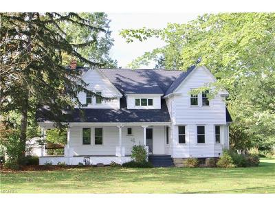 Willoughby Single Family Home For Sale: 35431 Ridge Rd