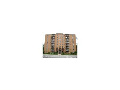 Berea Condo/Townhouse For Sale: 50 South Rocky River Dr #405