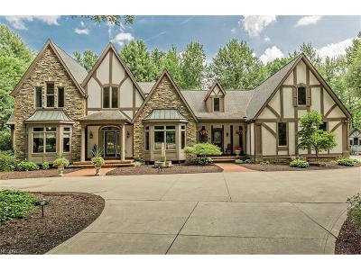 Geauga County Single Family Home For Sale: 11315 Saybrook Ln