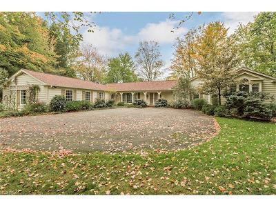 Pepper Pike Single Family Home For Sale: 2873 Chatham Rd
