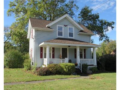 North Olmsted Single Family Home For Sale: 6220 Barton Rd