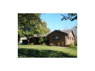 Olmsted Falls Single Family Home For Sale: 6449 Columbia Rd