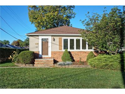 Willowick Single Family Home For Sale: 518 East 305th St