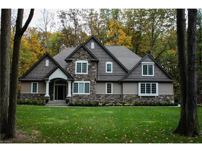 Cuyahoga County Single Family Home For Sale: 530 County Line Rd