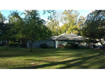 Lake County Single Family Home For Sale: 6123 Campbell Dr