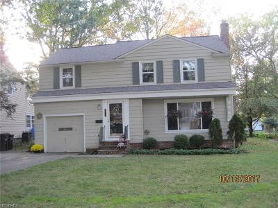 Lyndhurst Single Family Home For Sale: 1268 Ford Rd