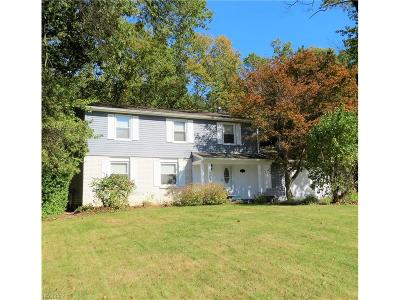 Warren Single Family Home For Sale: 8565 Carriage Hill Dr Northeast