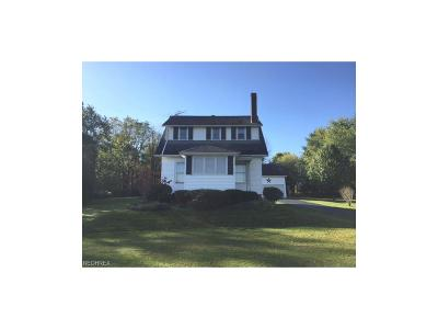 Homeworth OH Single Family Home For Sale: $147,900