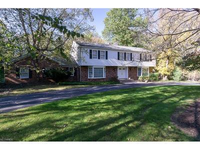 Moreland Hills Single Family Home For Sale: 25 Fox Glen Rd