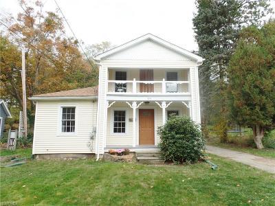 Chardon Single Family Home For Sale: 234 East King St