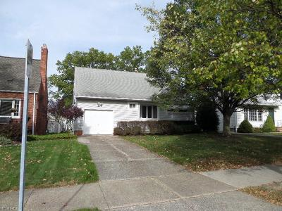 Middleburg Heights Single Family Home For Sale: 16600 Elderdale Dr