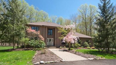 Gates Mills Single Family Home For Sale: 7800 Blackberry Ln