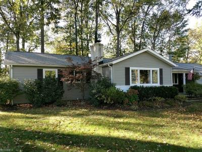 Willoughby Single Family Home For Sale: 37620 Harlow Drive
