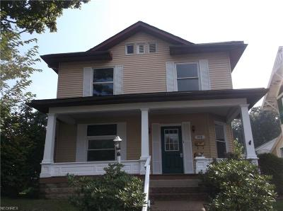 Guernsey County Single Family Home For Sale: 448 North 8th St