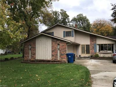 North Olmsted Single Family Home For Sale: 4045 Sawmill Cir