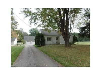 Chardon Single Family Home For Sale: 11765 Claridon Troy Rd