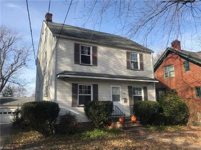 Lyndhurst Single Family Home For Sale: 1408 Gordon Rd