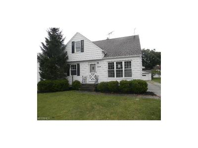 Wickliffe Single Family Home For Sale: 2249 East 290th St