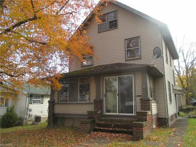 Struthers Single Family Home For Sale: 374 Maplewood Ave