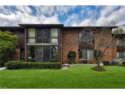 North Olmsted Condo/Townhouse For Sale: 22972 Maple Ridge Rd #106