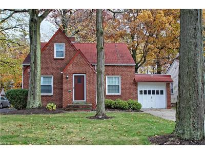 Lyndhurst Single Family Home For Sale: 863 Roland Rd