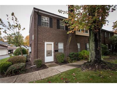 Mentor Condo/Townhouse For Sale: 8254 Deepwood Blvd #14