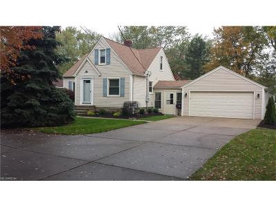 Parma OH Single Family Home For Sale: $139,900