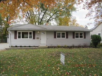 Mentor-On-The-Lake Single Family Home For Sale: 7403 Goldenrod Dr